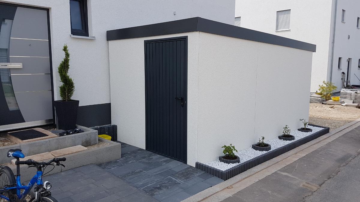 Geräteraum (Abstellkammer) aus Stahl mit integrierter Mülltonnenbox - BRANDL