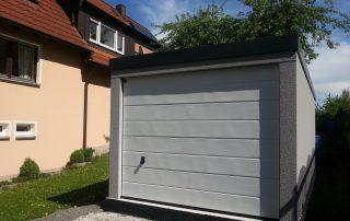 Einzel-Garage aus Stahl mit Sektionaltor - BRANDL