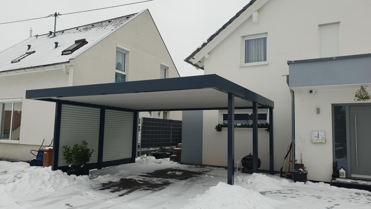 Doppel-Carport aus Stahl mit Wandelementen - BRANDL