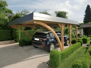 Einzel-Carport aus Holz mit Bogenpfosten - BRANDL