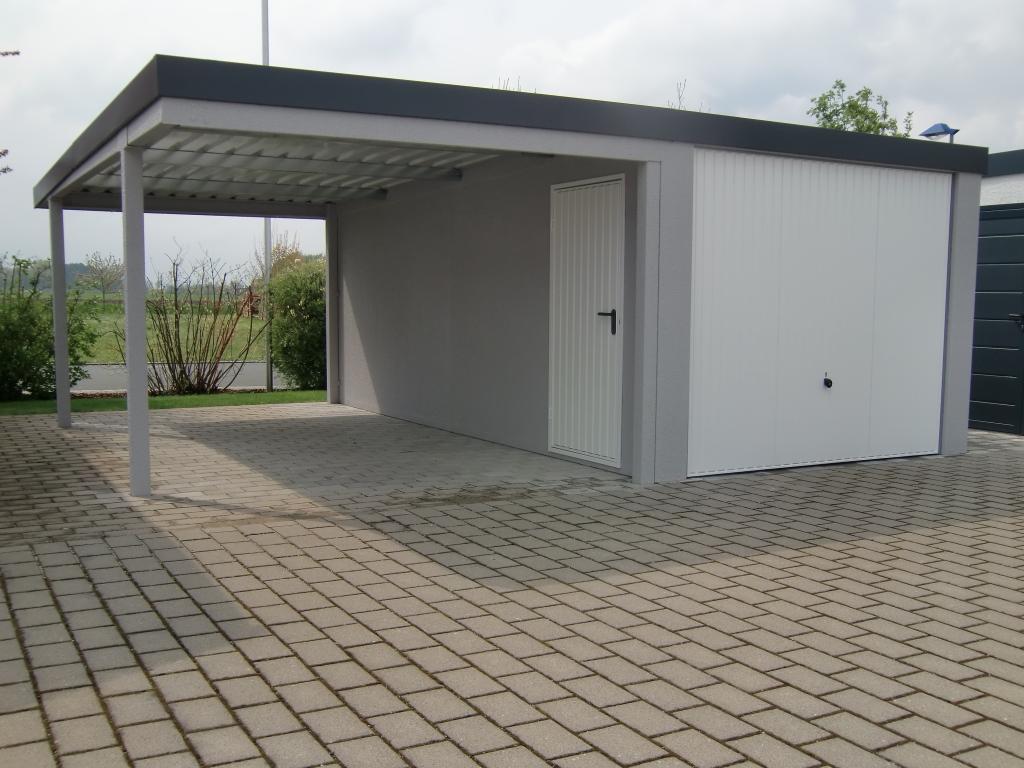 Einzelgarage mit Schwingtor und Anbau-Carport - BRANDL