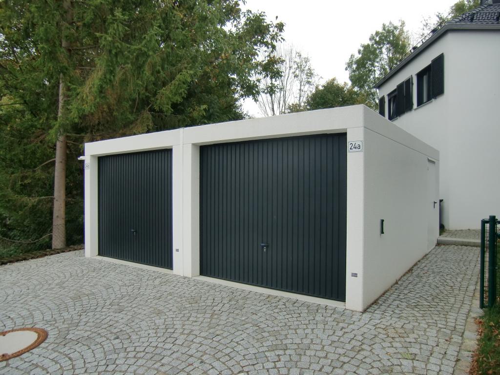 BETON-Fertiggarage (Doppelgarage) mit Schwingtoren - BRANDL