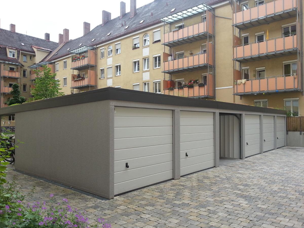 STAHL-Reihengaragenanlage (Garagenhof) mit Sektionaltoren - BRANDL