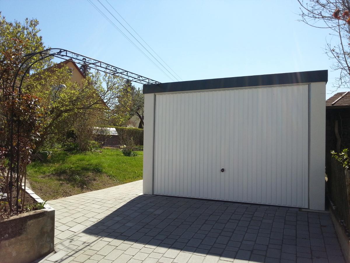 STAHL-Einzelgarage mit Schwingtor - BRANDL