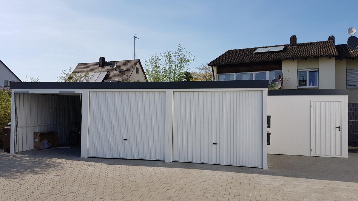 3er-Garage aus Stahl + Geräteraum daneben - BRANDL