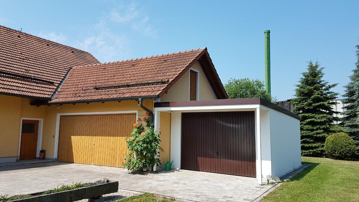 Einzelgarage aus Stahl mit Schwingtor + Anbau-Carport davor (Vordach) - BRANDL