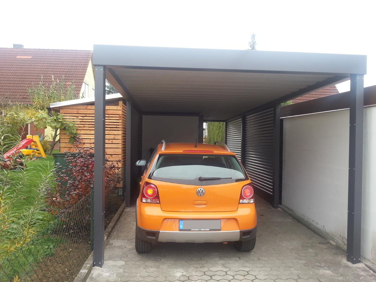 Einzel-Carport aus Stahl + Geräteraum (Abstellkammer) hinten integriert - BRANDL