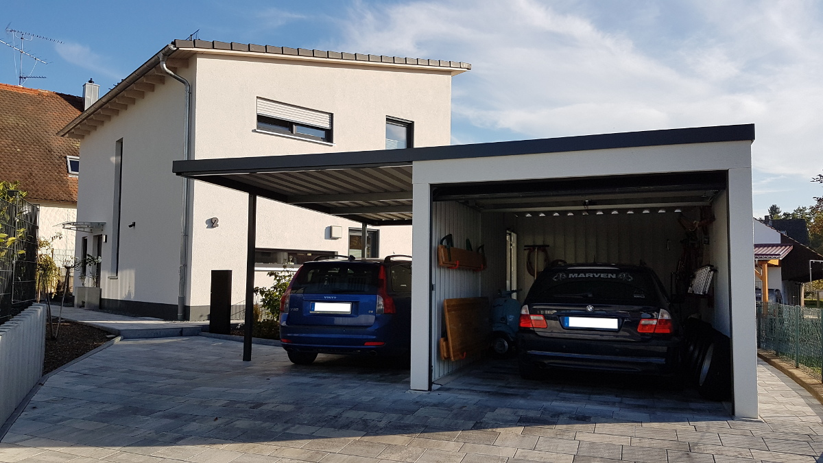 einzelgarage aus stahl mit sektionaltor anbau carport. Black Bedroom Furniture Sets. Home Design Ideas
