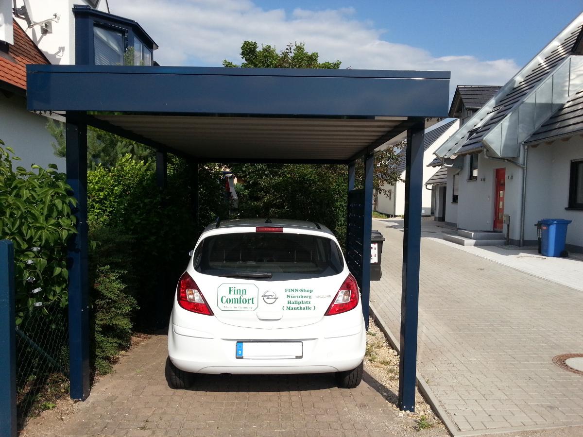 Einzel-Carport aus Stahl mit Dachbegrünung - BRANDL