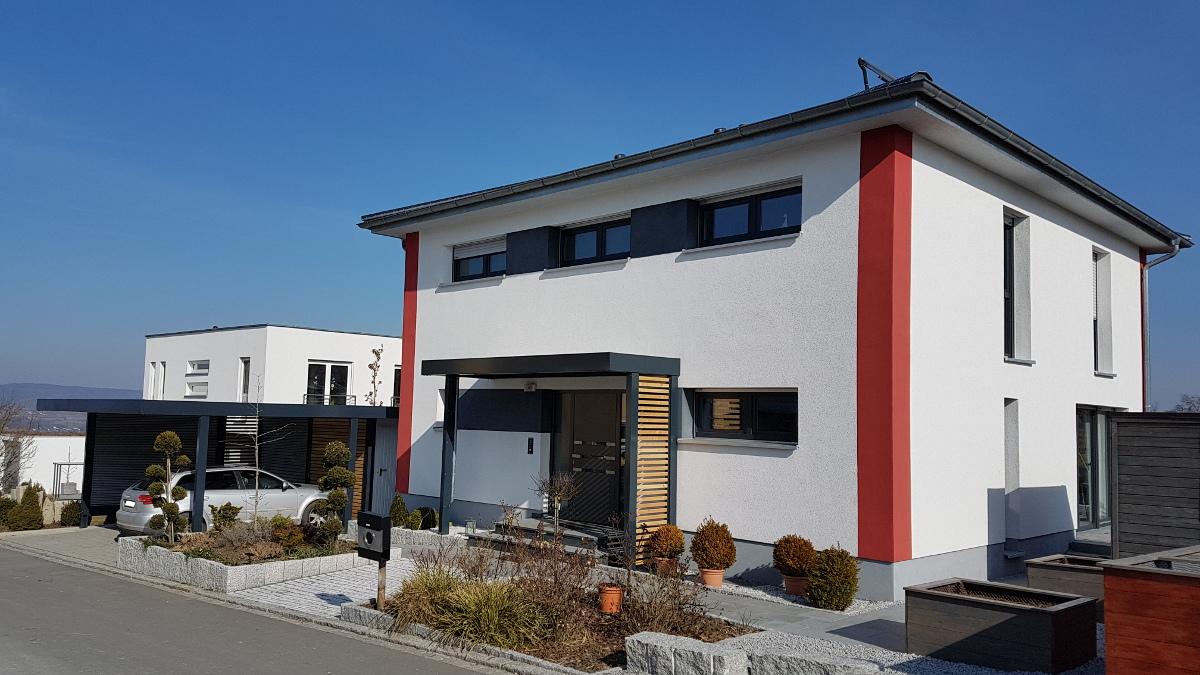 Vordach als Hauseingangsüberdachung im Carport-Stil - BRANDL