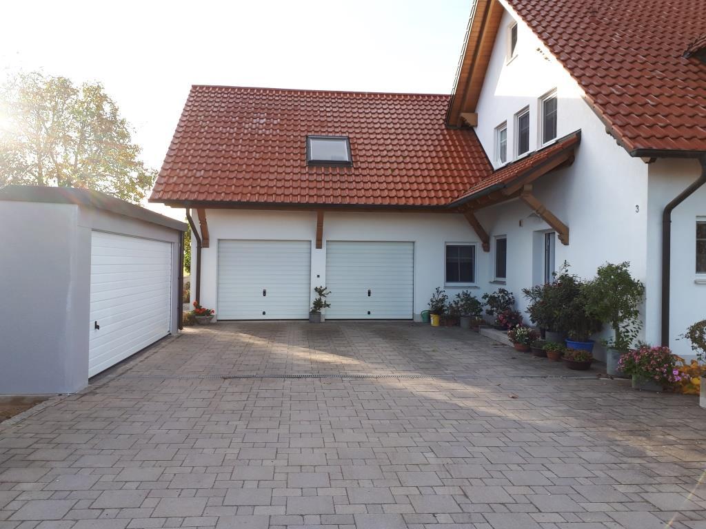 Doppel-Garage aus Stahl mit großem Sektionaltor (Großraumgarage) - BRANDL