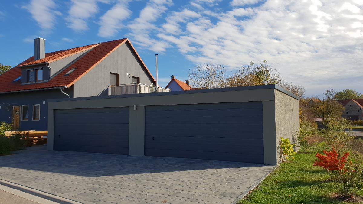 Doppel-Garage (Großraumgarage) aus Stahl mit Sektionaltoren - BRANDL