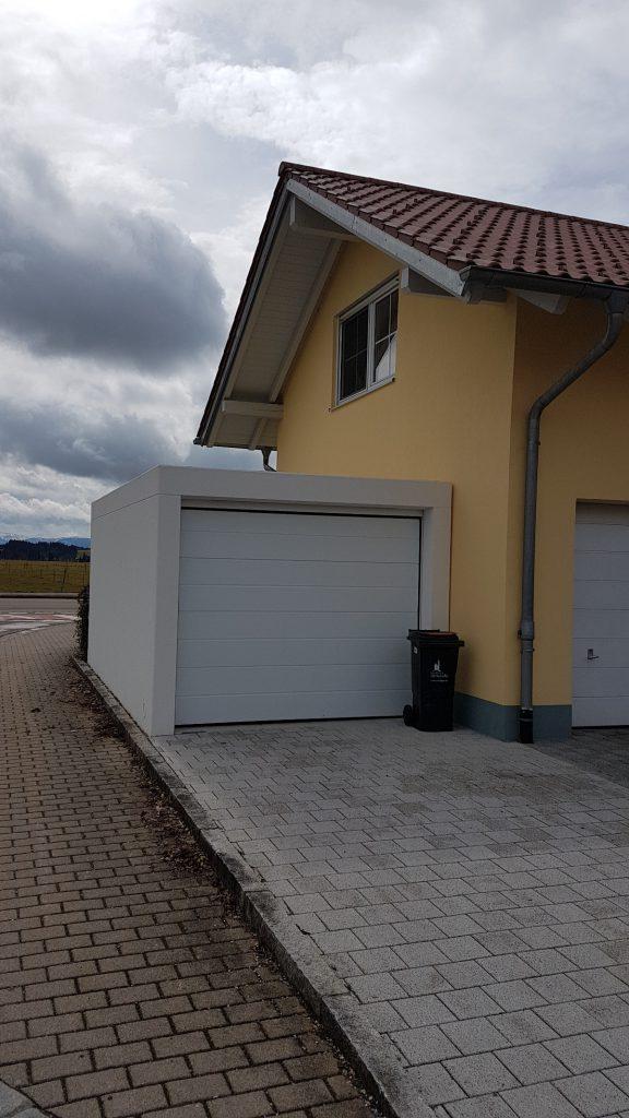 einzel garage aus beton mit sektionaltor brandl