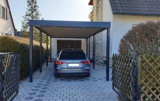 Einzel-Carport aus Stahl vor bestehende Garage - BRANDL