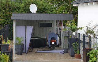 Einzel-Carport aus Holz mit Abstellkammer hinten - BRANDL