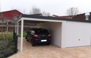 Einzel-Garage aus Stahl mit Schwingtor + Anbau-Carport links daneben - BRANDL